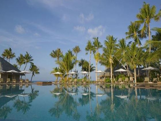 The pool at Veligandu Island Resort & Spa