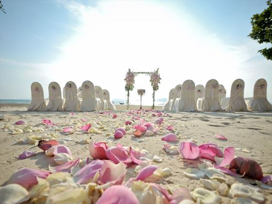 Beautiful beach wedding at Amari Vogue