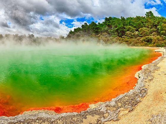 Wai-O-Tapu thermal pool, Rotorua