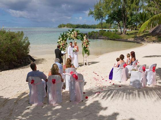Wedding ceremony at Shandrani beach