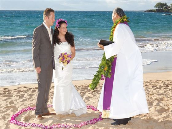 Beach wedding, Maui
