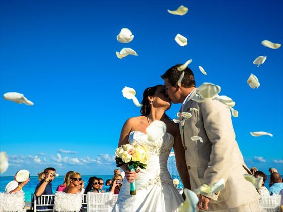Romance At Moon Palace Mexico Your Classic Wedding