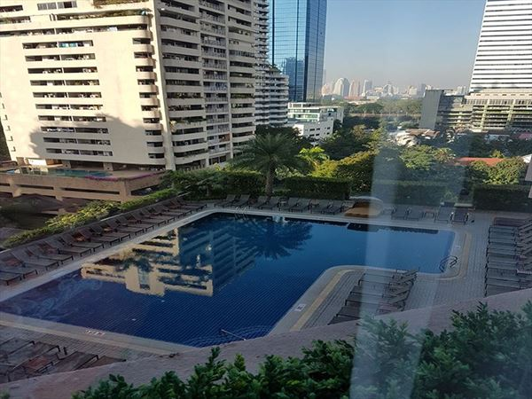 rembrant bangkok pool