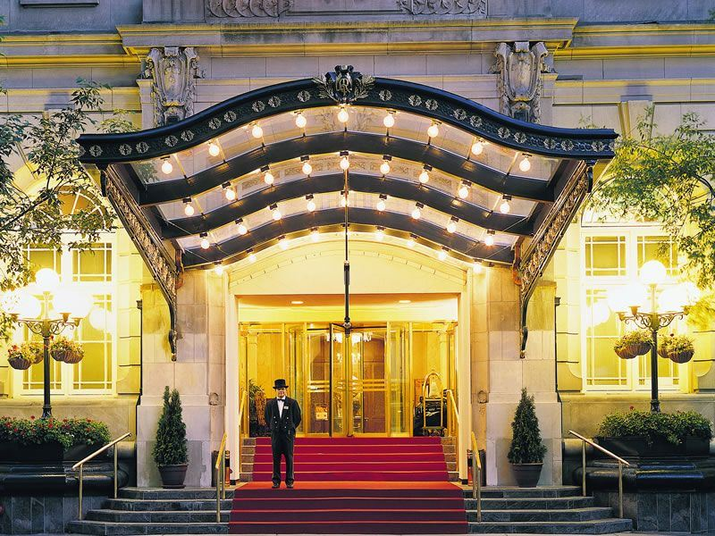 Fairmont Palliser Calgary Entrance at night