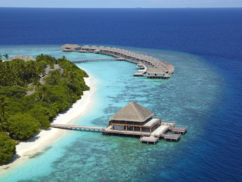 Luxury resort Dusit Thani Maldives