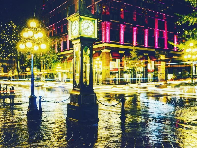 gastown vancouver by night