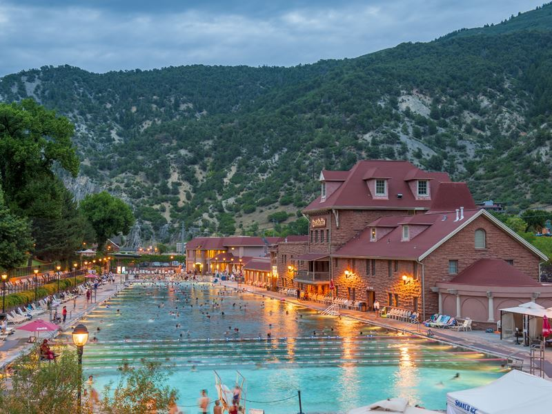 glenwood hot springs pool colorado