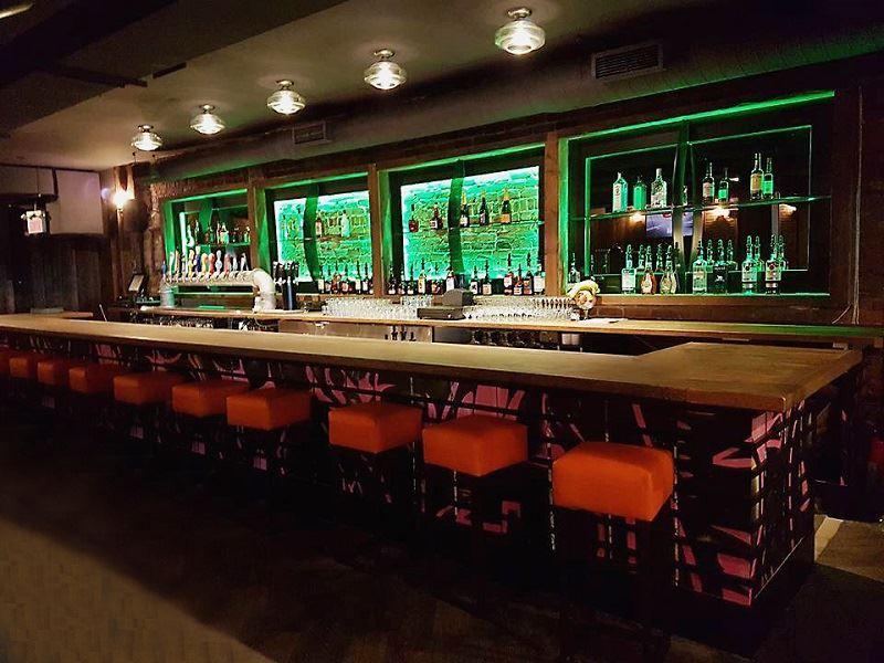 le complexe bar