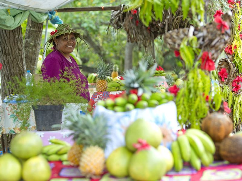 moorea fruit stall