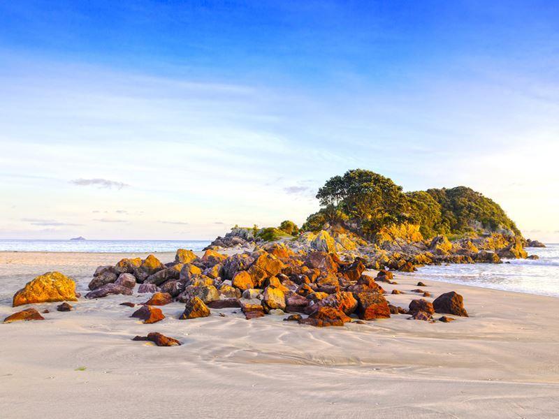 rocks on the beach mount maunganui