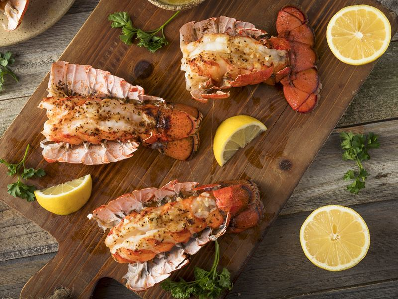 seasoned baked lobster tails maine