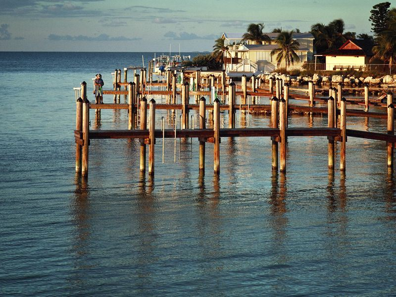 small pier at islamorada