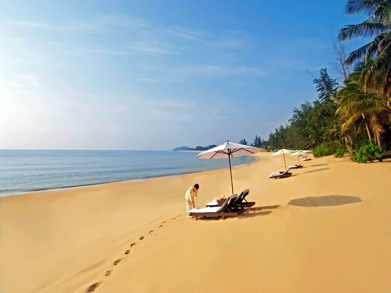 tanjong jara beach view