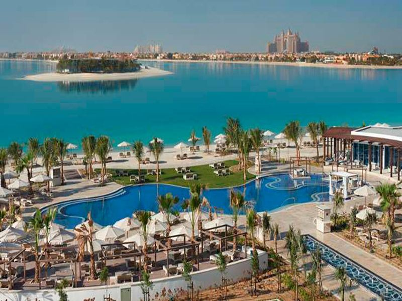 waldorf astoria dubai pool and view