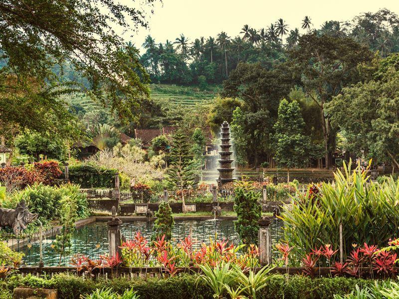 water palace tirta gangga bali