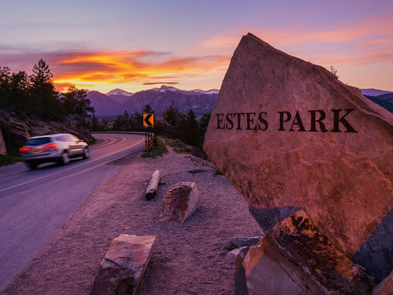 welcome sign estes park colorado