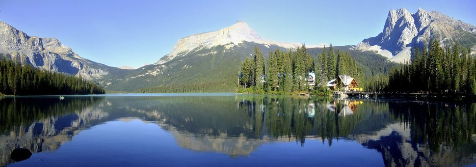 Panorama of Emerald Lake, Yoho National Park